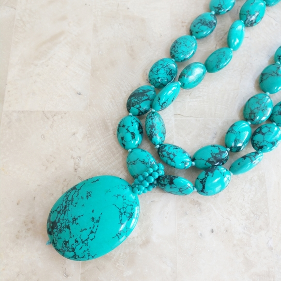 unknown Jewelry - Double strand turquoise beads large pendant